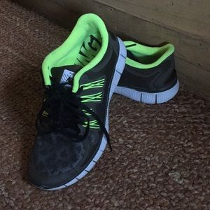 premium selection 65ca1 af0fe Nike Shoes - AUTH NIKE FREE RUN 5.0 LEOPARD OLIVE NEON 8 9.5
